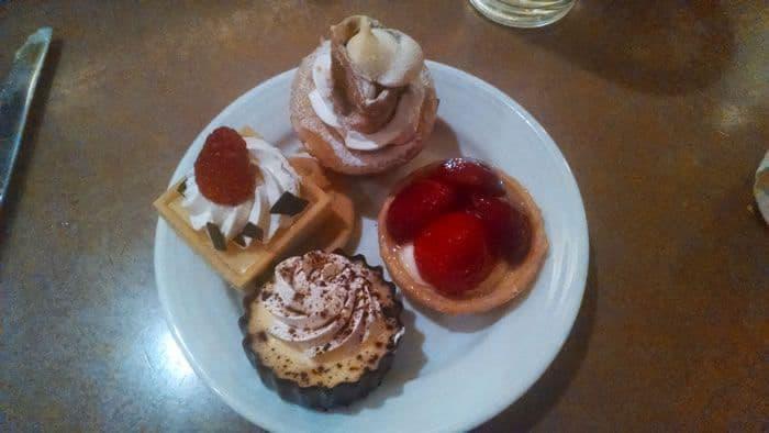 Le Village Buffet Desserts