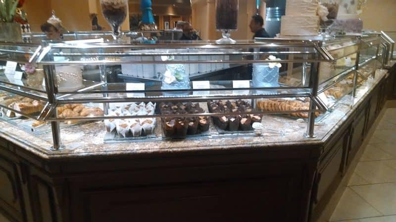 Bellagio Breakfast Buffet Muffins
