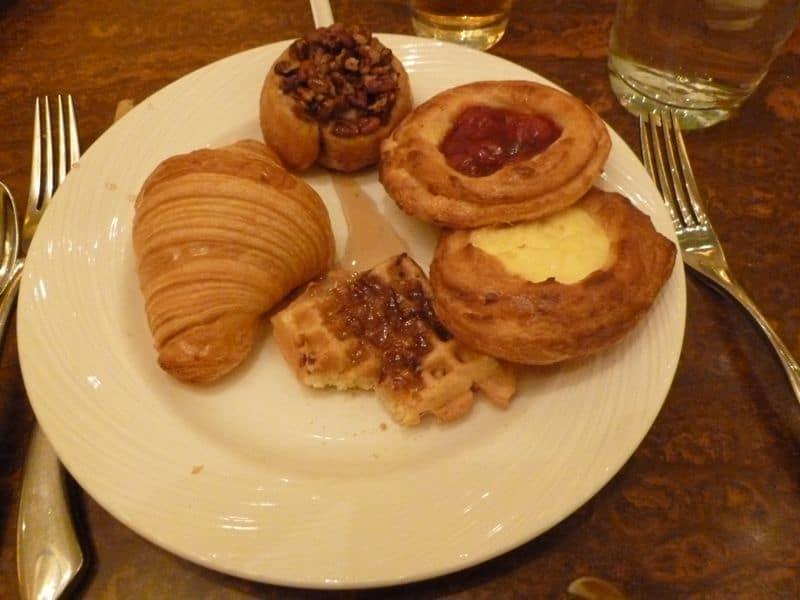 Wynn breakfast buffet pastry