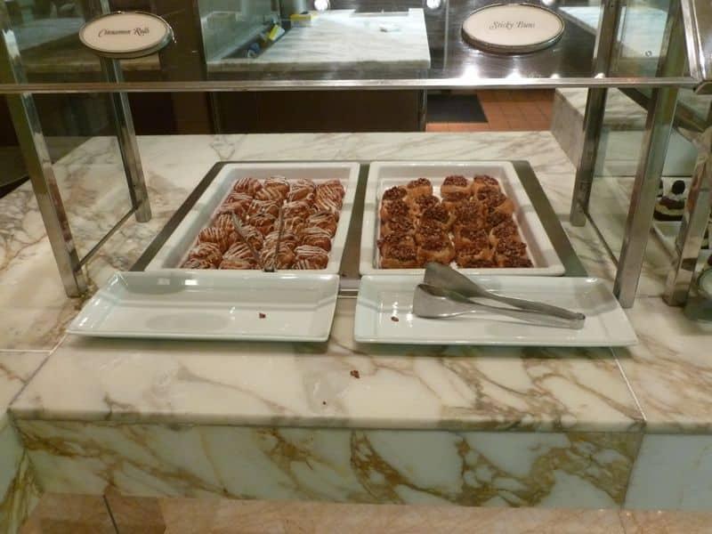 Wynn buffet cinnamon buns sticky rolls