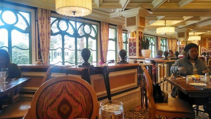 Cafe Bellagio Overlooks Pool Area