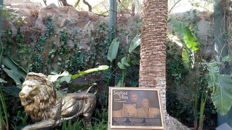 Siegfried & Roy Secret Garden