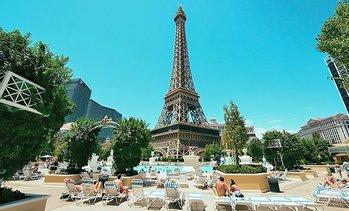 soleil pool paris hotel