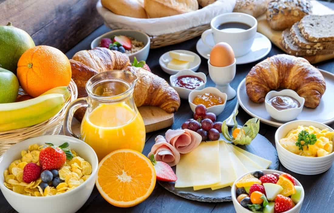 Hotels with Complimentary Breakfast