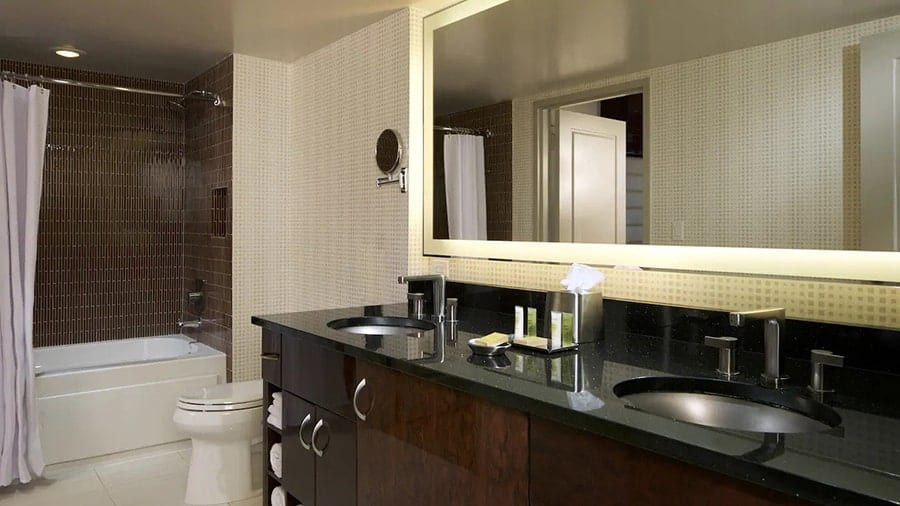Elara by Hilton Grand Vacations Suites with Jacuzzi