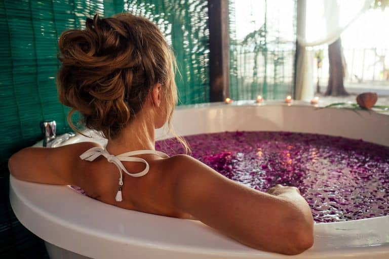 Las Vegas Hotels with a Jacuzzi In Room