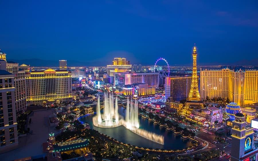 Choosing Hotels with Balconies in Las Vegas