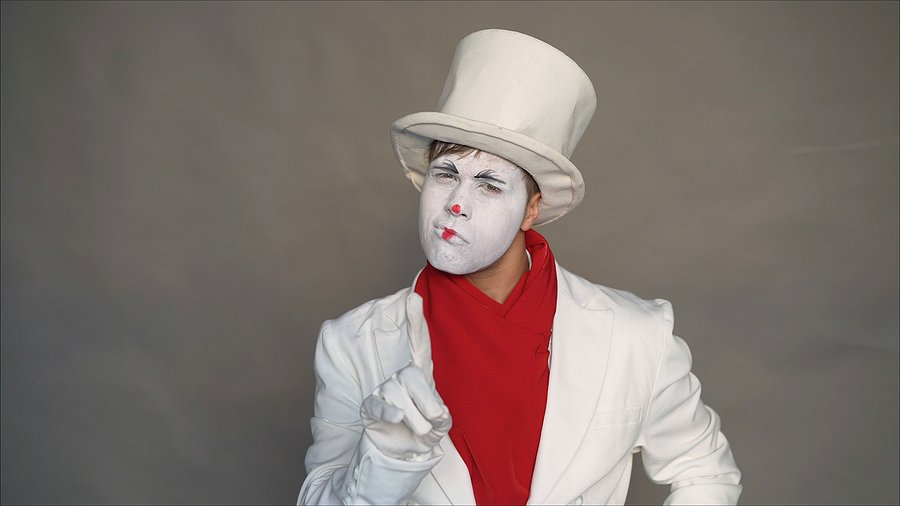 Play with the Mimes