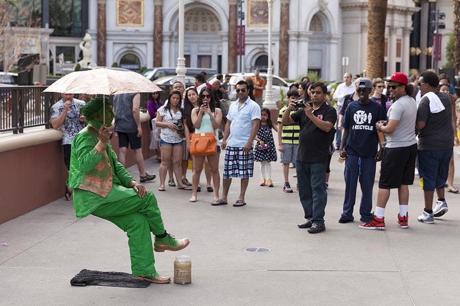 street performers in Vegas